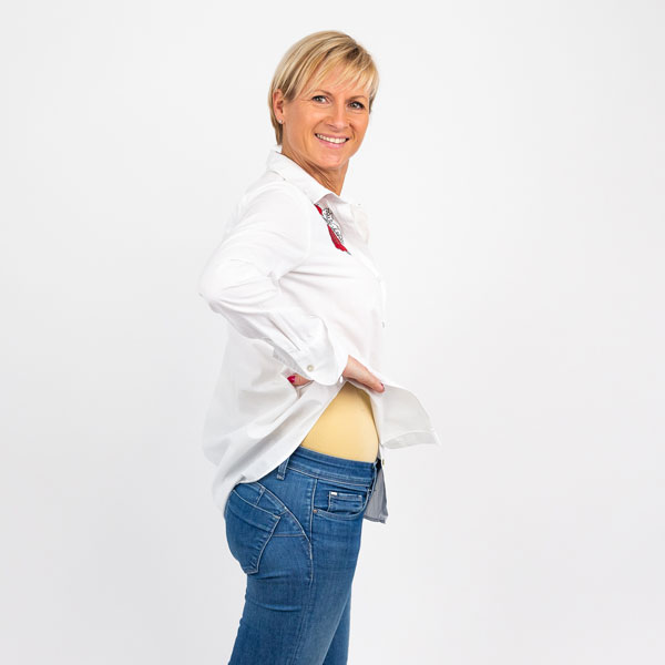 steznik za oblikovanje tijela ispod haljine